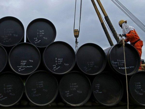 Эксперт объяснил, почему нефть марки Brent стала дешеветь